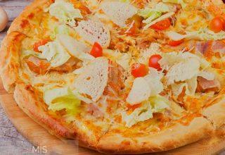 Tavuklu Sezar Pizza aromasına doyamayacaksınız.